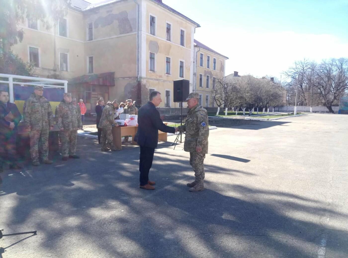 «Дякуємо, що ви є»:  як  Ужгород  зустрічав  128-му  бригаду (ФОТО) , фото-6