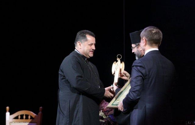 Військовий капелан Закарпатської 128-ї бригади отримав міжнародну відзнаку (ФОТО), фото-1