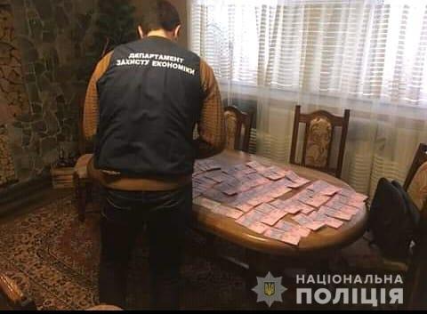 Учасникам злочинної групи, яка організувала мережу гральних закладів на Закарпатті, оголошено про підозру, фото-3