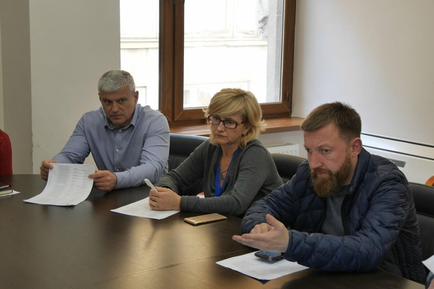 У міськраді Ужгорода розповіли за які порушення 52 ужгородці сплатять штраф, фото-3
