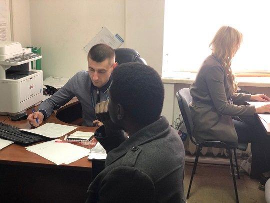 В Ужгороді виявили нелегала з Нігерії - його чекає депортація (ФОТО), фото-1