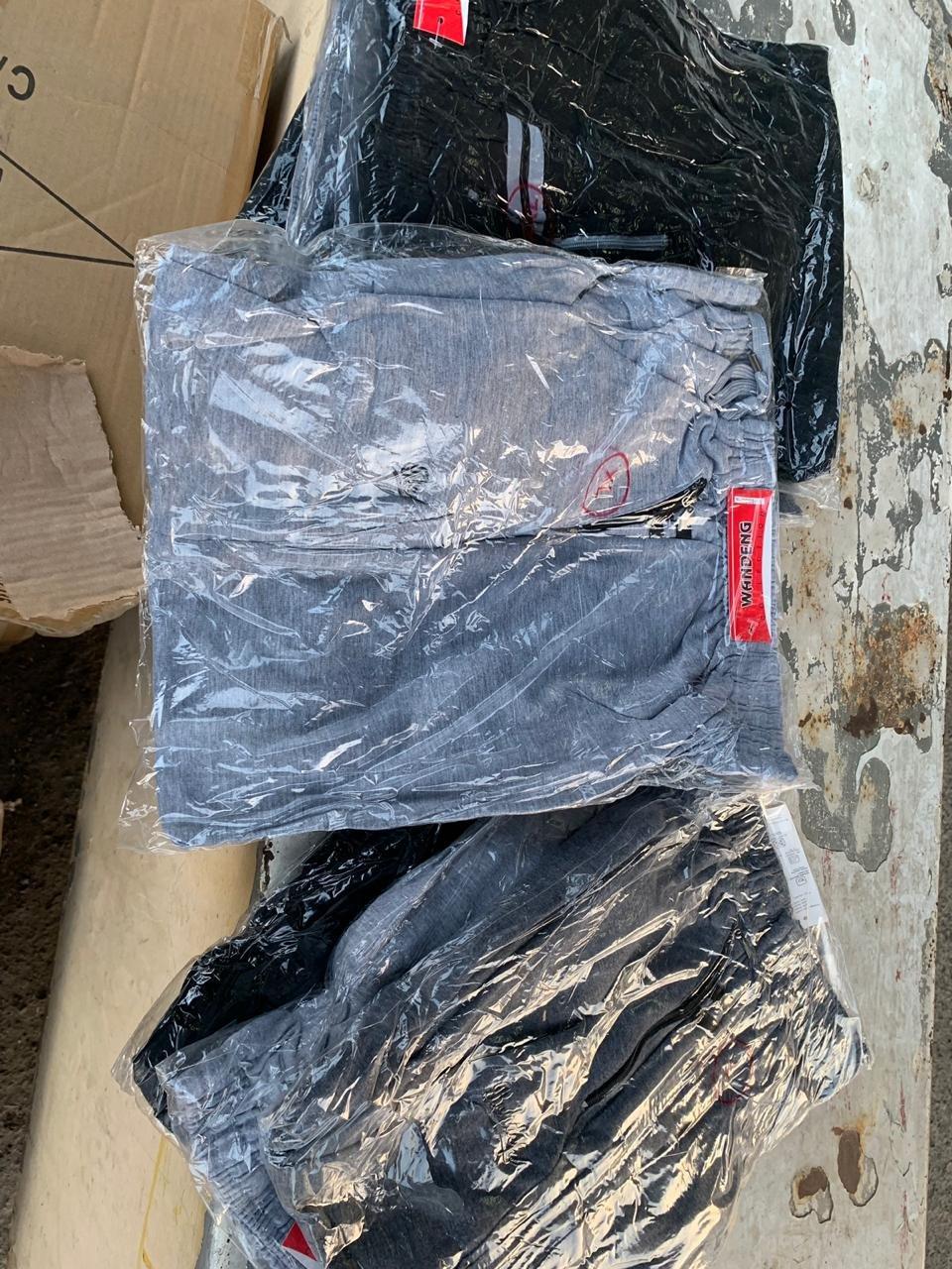 """Через КПП """"Ужгород"""" українці намагались незаконно провезти 1700 кг нового одягу (ФОТО), фото-2"""