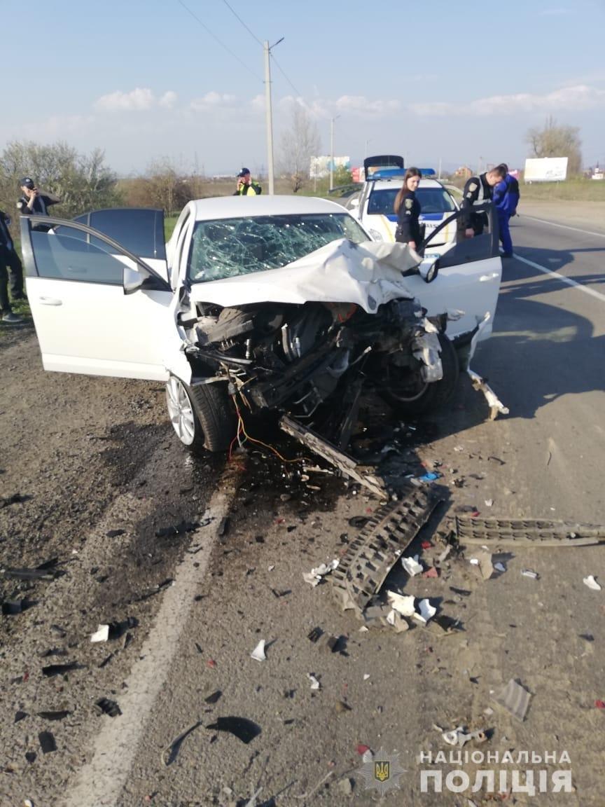 Закарпатські поліцейські з'ясовують обставини двох автопригод на Ужгородщині (ФОТО), фото-1