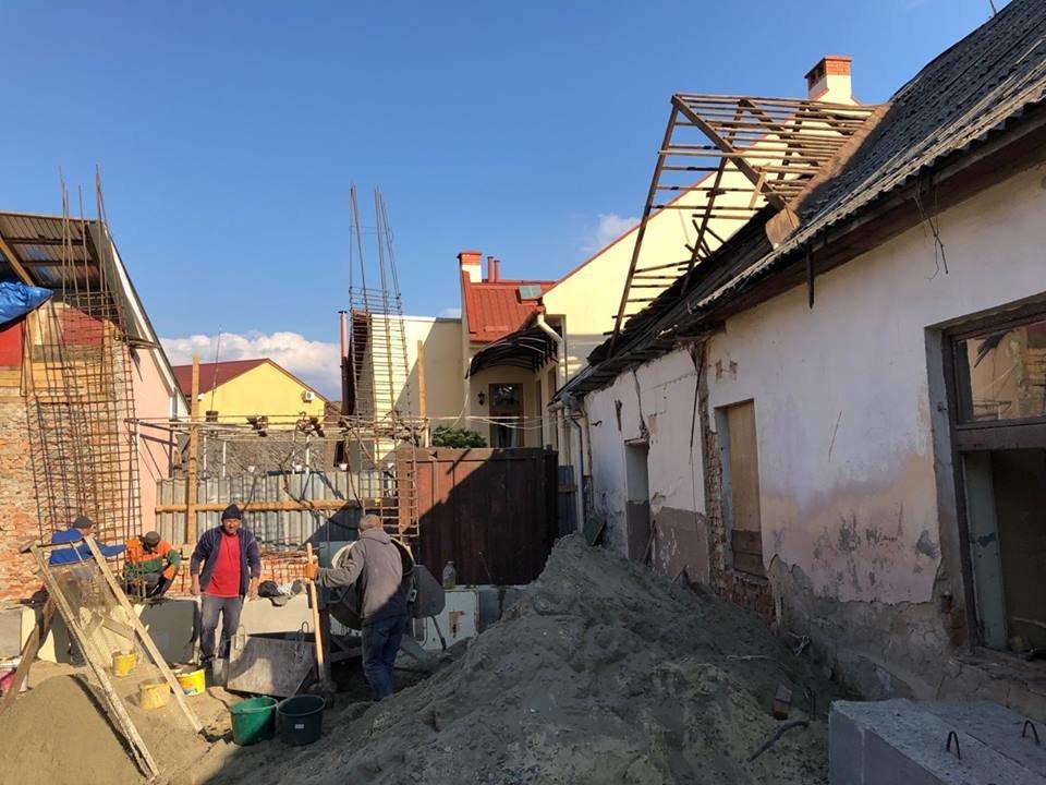 В Ужгороді виявили несанкціоноване будівництво житлового будинку (ФОТО), фото-4