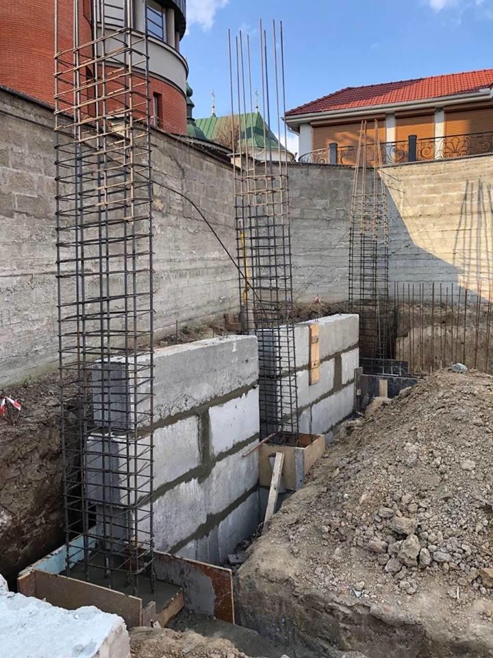 В Ужгороді виявили несанкціоноване будівництво житлового будинку (ФОТО), фото-1
