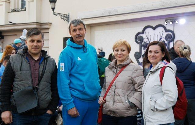 Від 1 року до 59-ти: нічний забіг в Ужгороді об'єднав близько 200 людей (ФОТО, ВІДЕО), фото-2