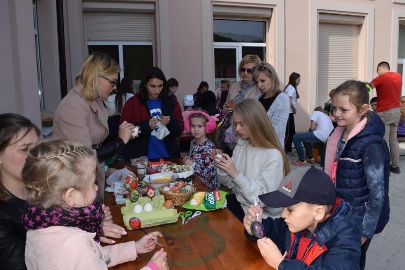 На Ужгородщині на «Великодній майстерні» пекли паски і виготовляли святковий декор (ФОТО), фото-2