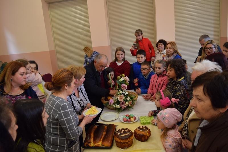 На Ужгородщині на «Великодній майстерні» пекли паски і виготовляли святковий декор (ФОТО), фото-9