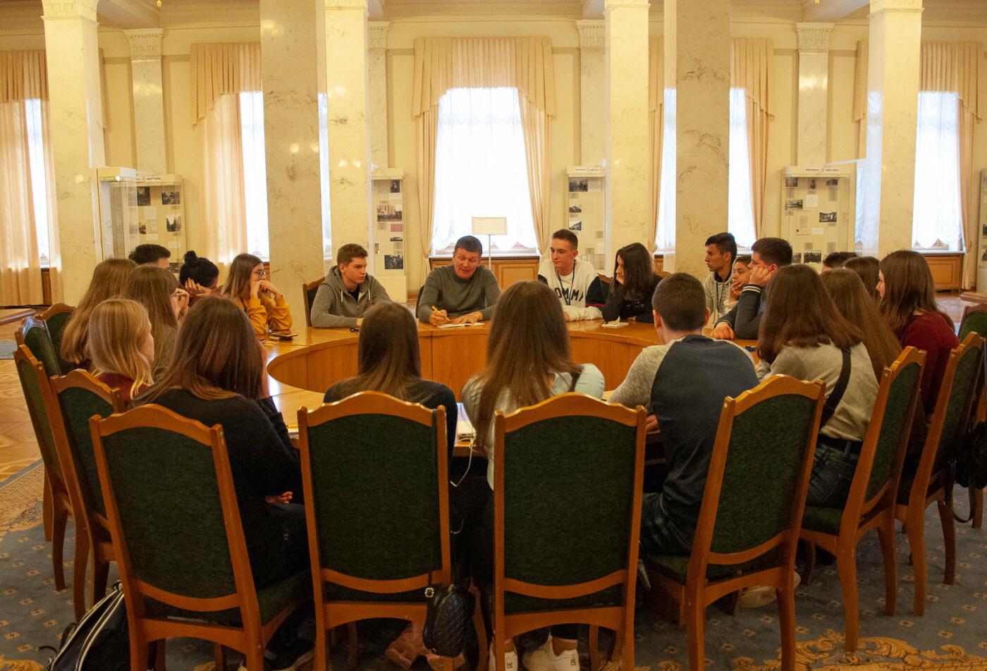 Подорож до парламенту: 20 закарпатських школярів виграли поїздку на освітню екскурсію до Верховної Ради (ВІДЕО), фото-3