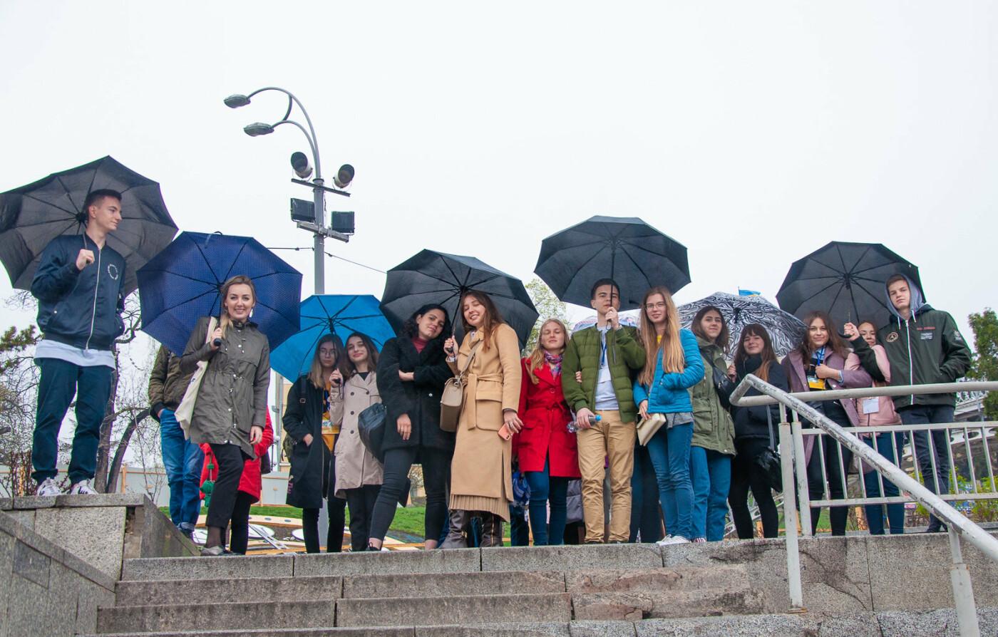 Подорож до парламенту: 20 закарпатських школярів виграли поїздку на освітню екскурсію до Верховної Ради (ВІДЕО), фото-10