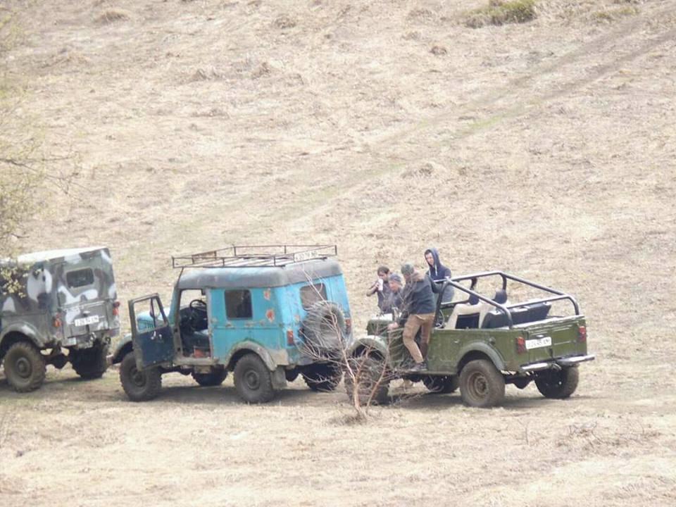 В мережах з'явилися фото джипів, які руйнують перлину Карпат  - Анталовецьку Поляну (ФОТО), фото-1