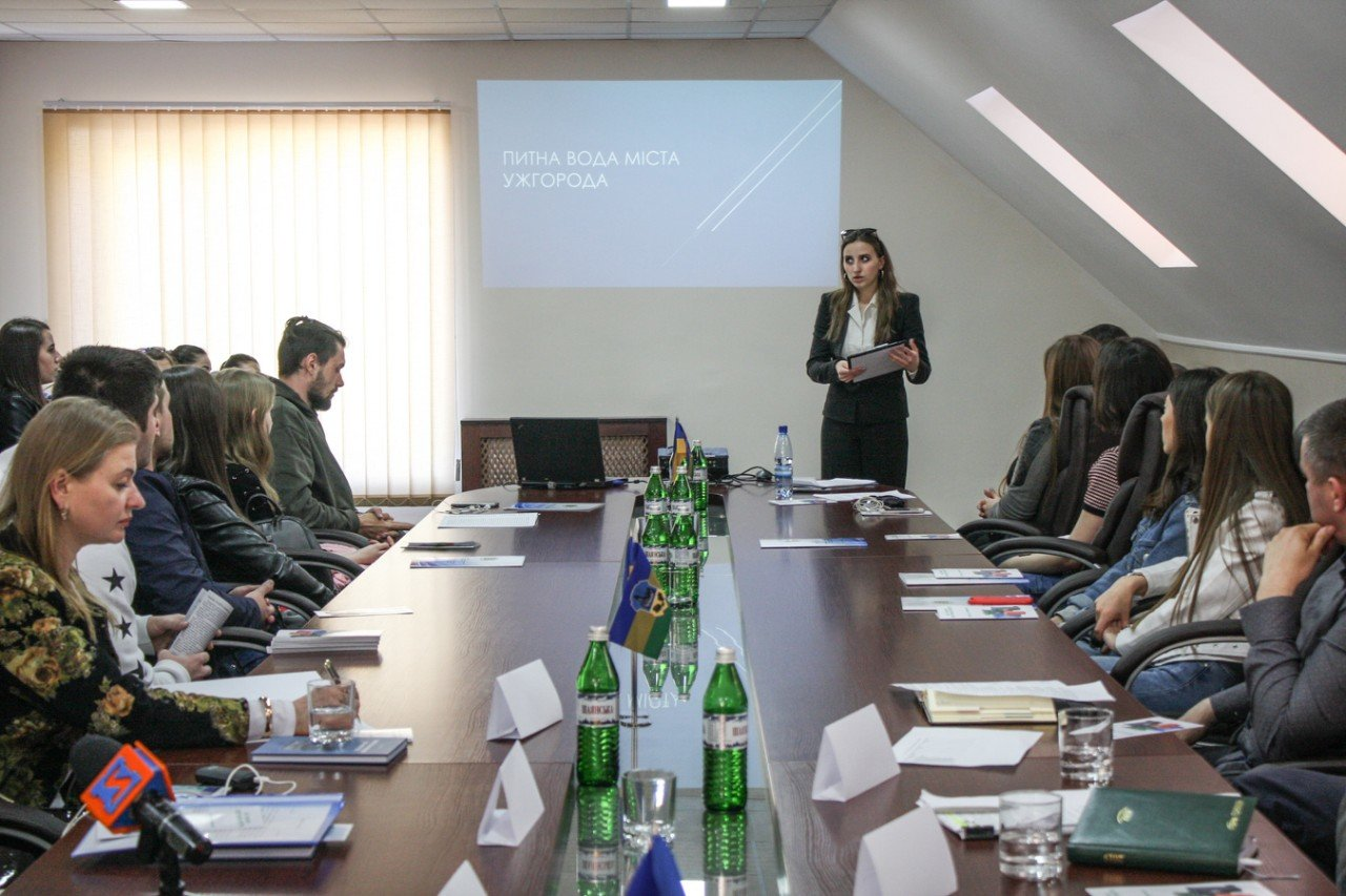 В Ужгороді за «круглим столом» обговорили найактуальніші екологічні проблеми Закарпаття (ФОТО), фото-3