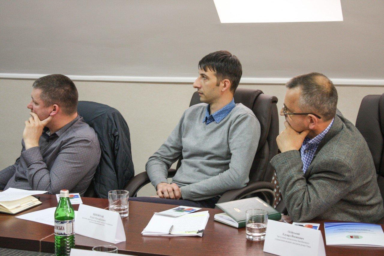 В Ужгороді за «круглим столом» обговорили найактуальніші екологічні проблеми Закарпаття (ФОТО), фото-8