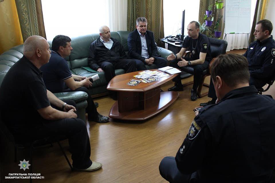 Ужгородський паровозик зможе курсувати містом тільки оформивши необхідні документи - патрульні , фото-1