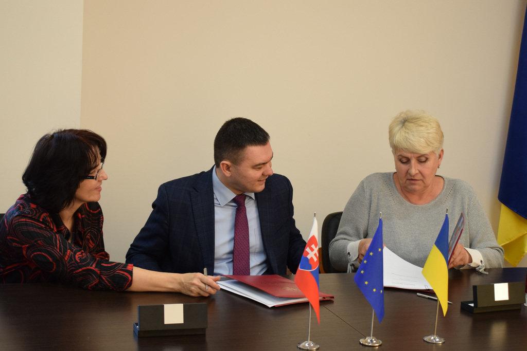 В Ужгороді підписали угоду для реалізації грантового проекту по збереженню культурної спадщини, фото-1