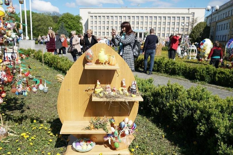 """В Ужгороді відкрився фестиваль """"Воскресни, писанко!"""" (ФОТО), фото-9"""