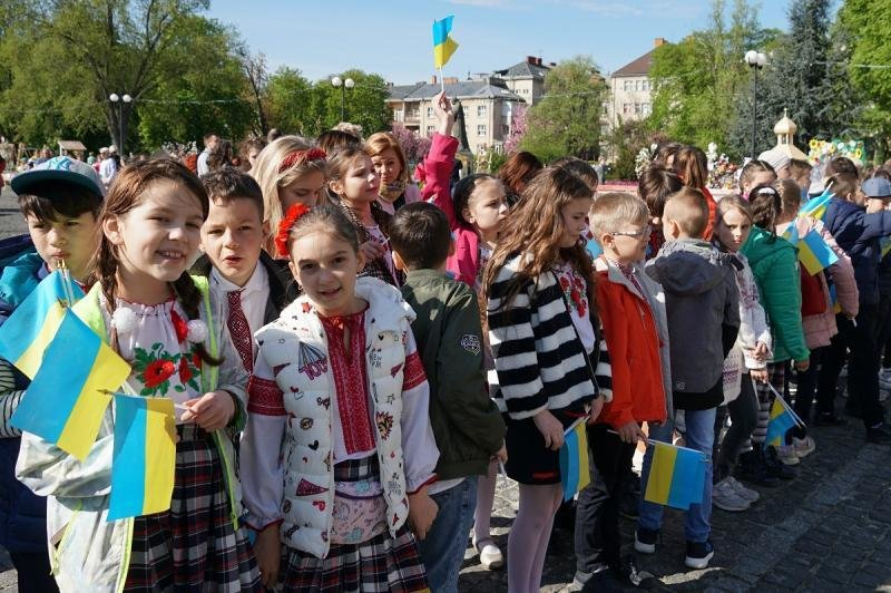 """В Ужгороді відкрився фестиваль """"Воскресни, писанко!"""" (ФОТО), фото-16"""