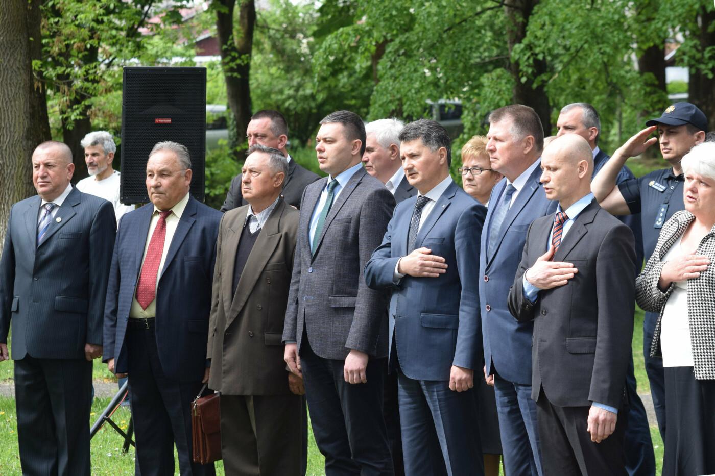 В Ужгороді вшанували героїв-ліквідаторів аварії на Чорнобильській АЕС (ФОТОРЕПОРТАЖ), фото-15