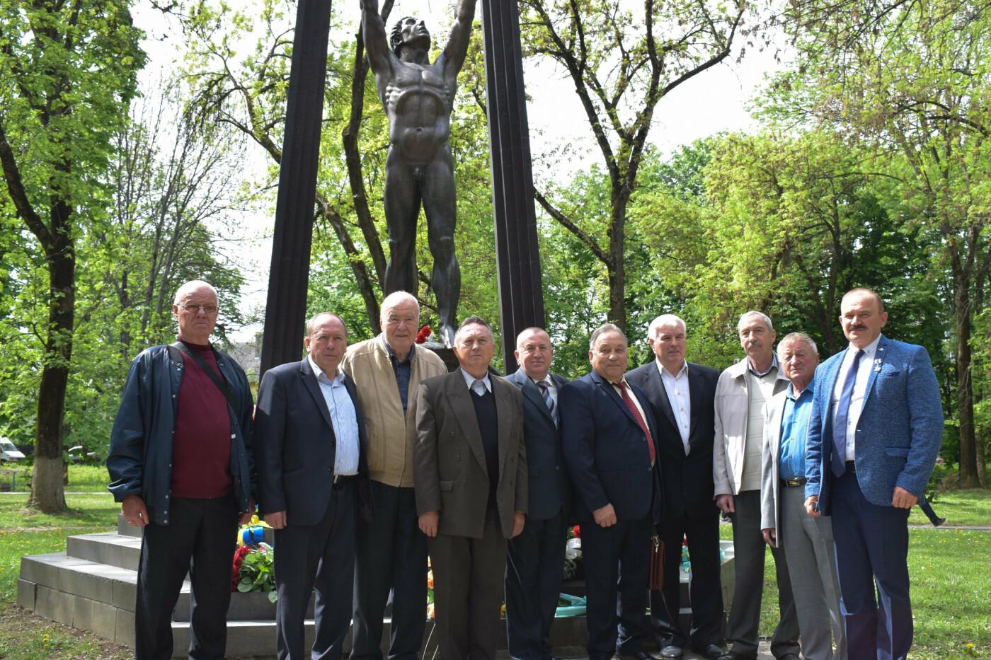 В Ужгороді вшанували героїв-ліквідаторів аварії на Чорнобильській АЕС (ФОТОРЕПОРТАЖ), фото-16