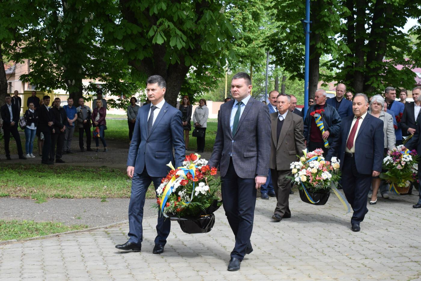 В Ужгороді вшанували героїв-ліквідаторів аварії на Чорнобильській АЕС (ФОТОРЕПОРТАЖ), фото-4