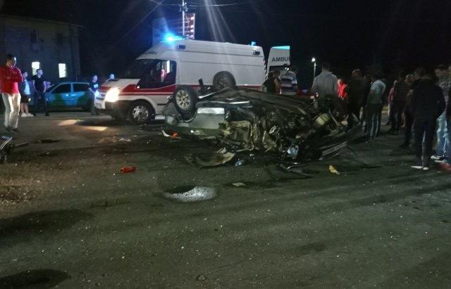 На Закарпатті внаслідок ДТП авто перетворилось на металобрухт, є постраждалий (ФОТО), фото-1