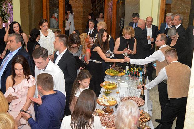 Цифра дня: на благодійному балу в Ужгороді зібрали рекордну суму - 235 тисяч гривень (ФОТО), фото-3