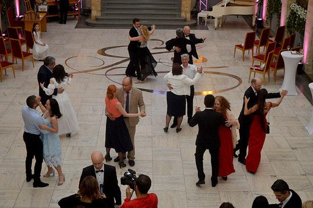 Цифра дня: на благодійному балу в Ужгороді зібрали рекордну суму - 235 тисяч гривень (ФОТО), фото-6