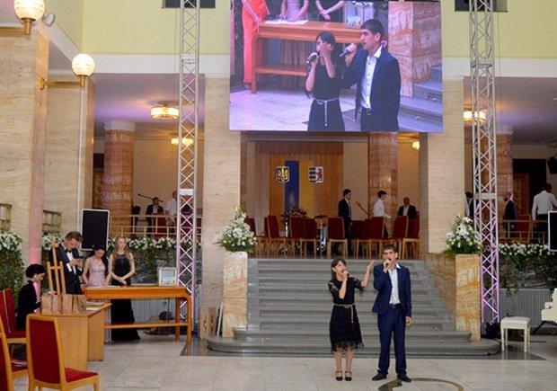 Цифра дня: на благодійному балу в Ужгороді зібрали рекордну суму - 235 тисяч гривень (ФОТО), фото-2