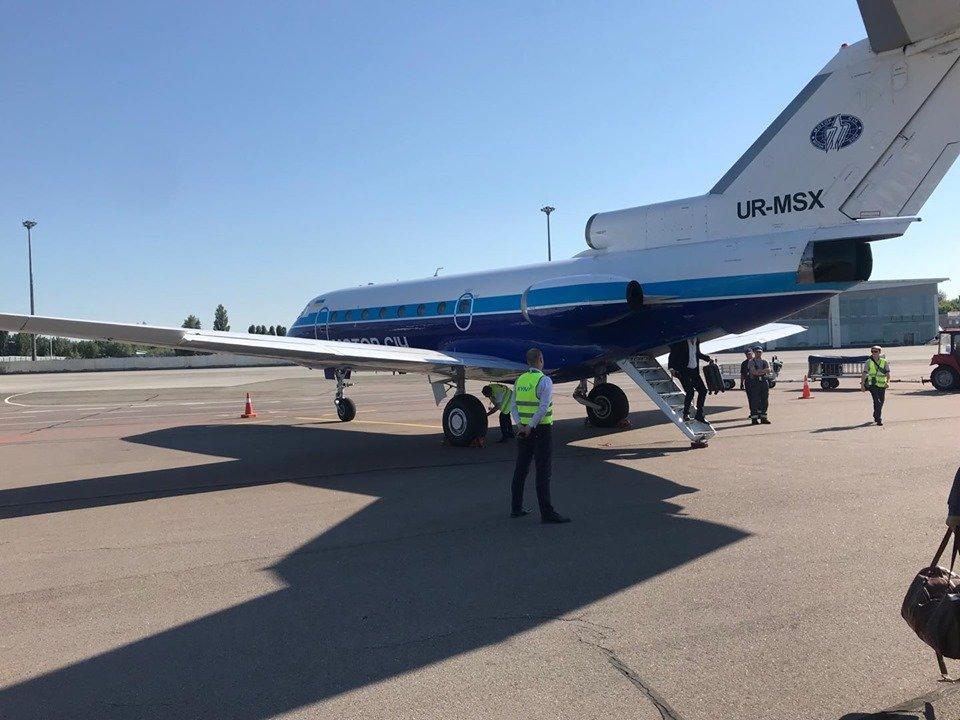 """Сьогодні здійснив свій перший політ оновлений авіарейс """"Ужгород-Київ"""" (ФОТО), фото-2"""