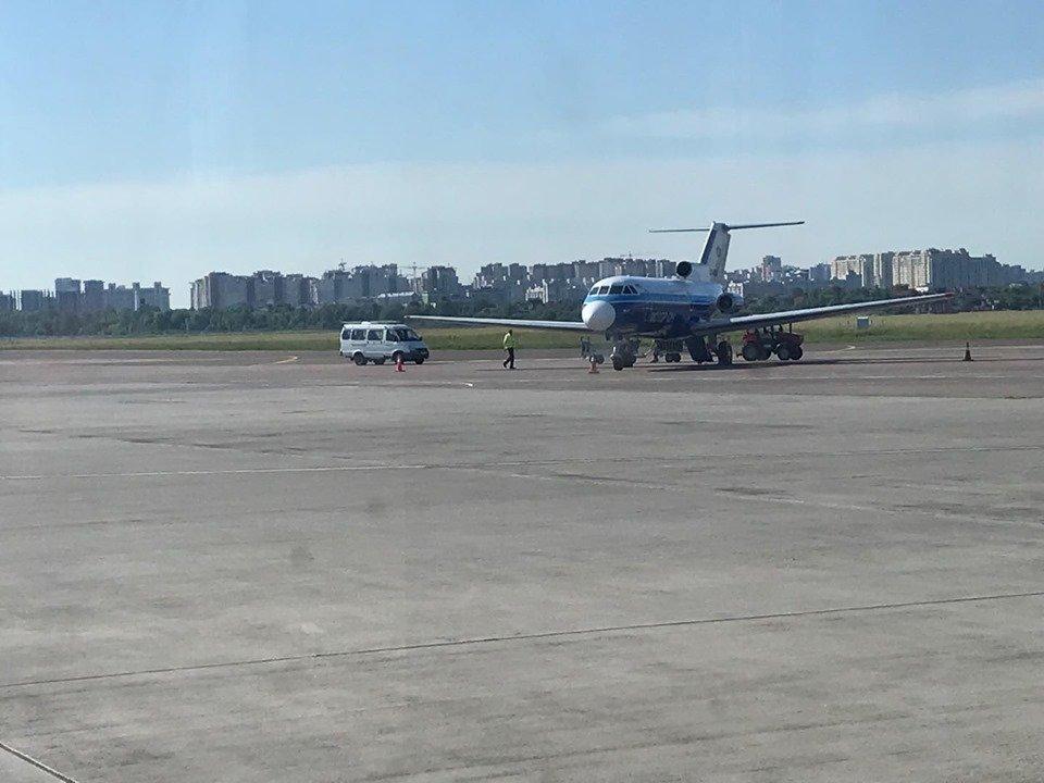 """Сьогодні здійснив свій перший політ оновлений авіарейс """"Ужгород-Київ"""" (ФОТО), фото-1"""