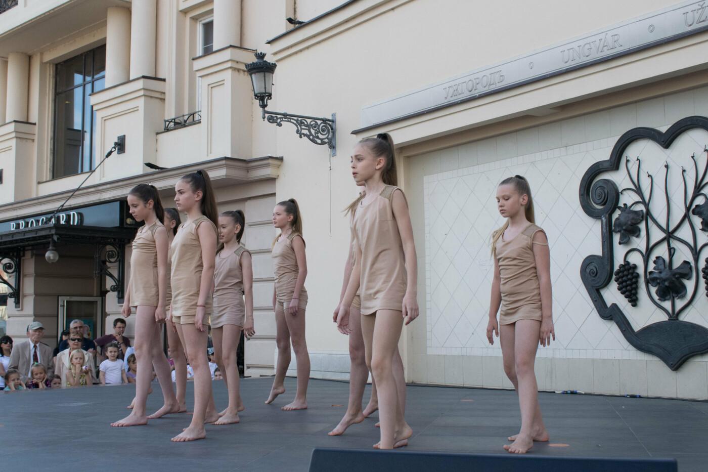 """«We are the champions» - CСТ """"Бліц"""" подарував Ужгороду програму із переможних номерів (ФОТОРЕПОРТАЖ), фото-7"""