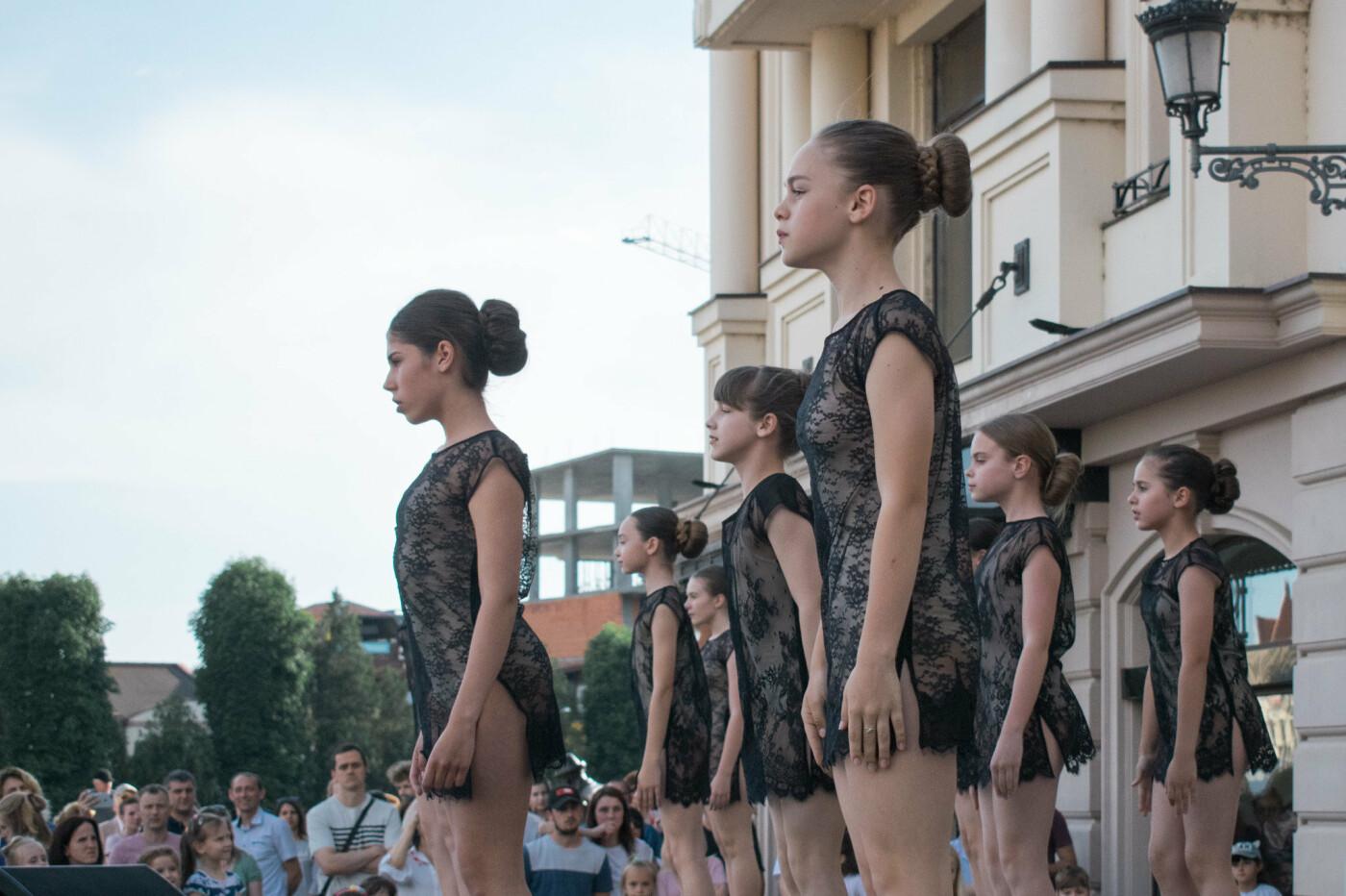 """«We are the champions» - CСТ """"Бліц"""" подарував Ужгороду програму із переможних номерів (ФОТОРЕПОРТАЖ), фото-10"""