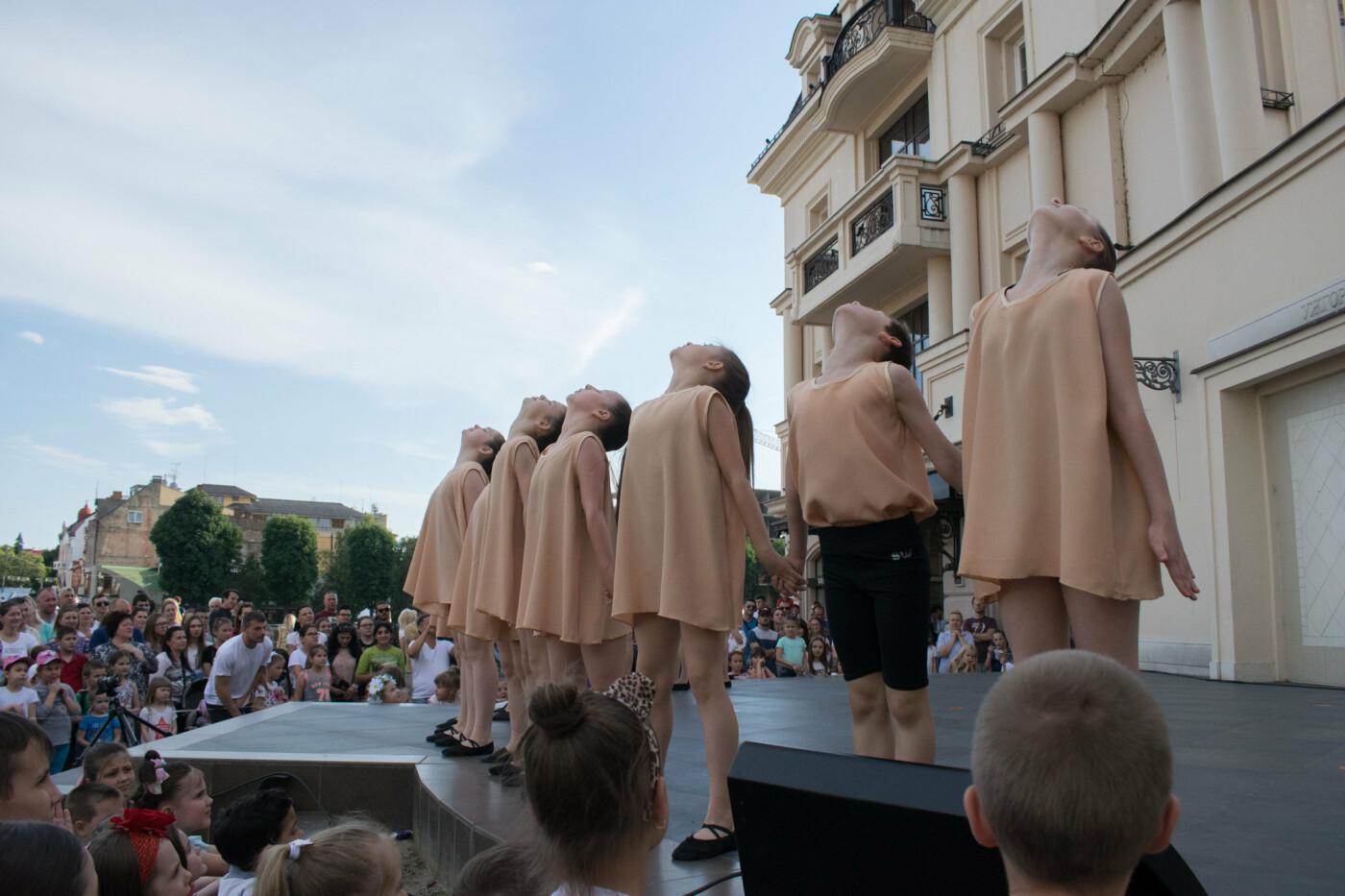 """«We are the champions» - CСТ """"Бліц"""" подарував Ужгороду програму із переможних номерів (ФОТОРЕПОРТАЖ), фото-24"""