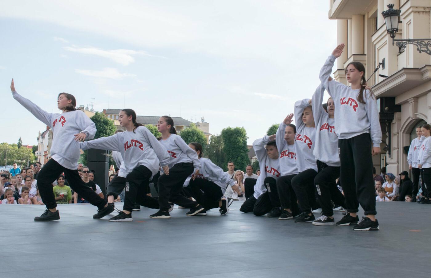 """«We are the champions» - CСТ """"Бліц"""" подарував Ужгороду програму із переможних номерів (ФОТОРЕПОРТАЖ), фото-22"""