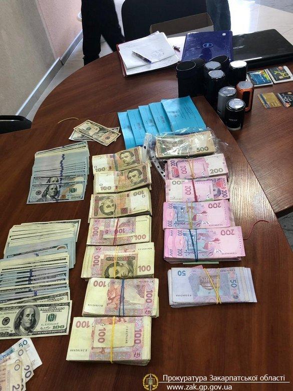 На Закарпатті прокуратура спільно з ДФС викрила конвертаційний центр з обігом понад 90 млн грн. (ФОТО), фото-3