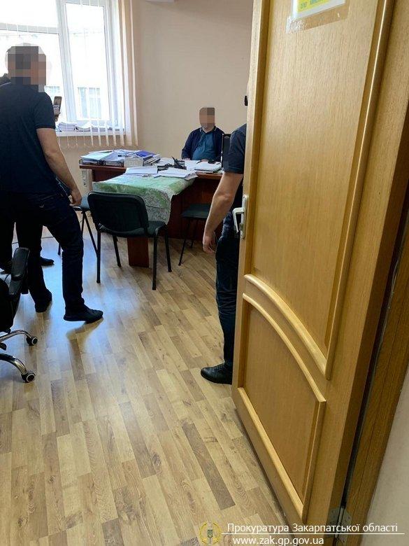 Затримано на хабарі у 900 доларів начальника рибного господарства у Закарпатській області (ФОТО), фото-4