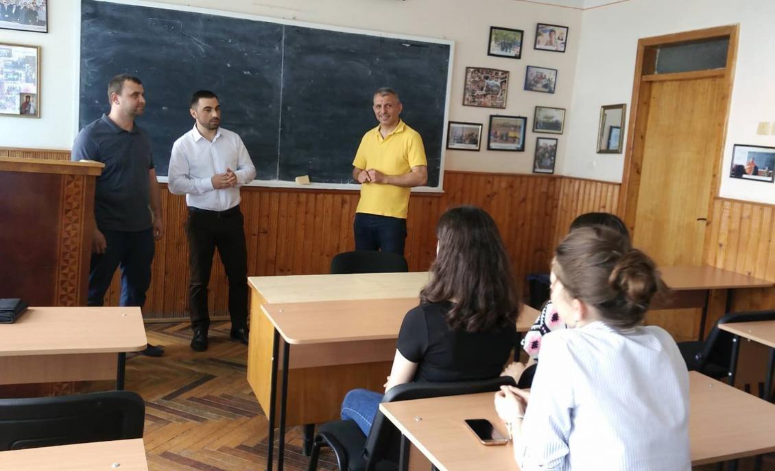 В УжНУ нагородили студенток – учасниць журналістського екоконкурсу (ФОТО), фото-1