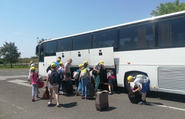Благодійники організовують для дітей воїнів АТО із Закарпаття відпочинок в Угорщині (ФОТО), фото-5
