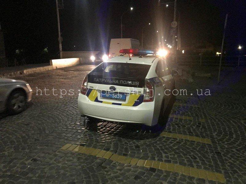 """У Мукачеві третя хвиля """"замінувань"""" - евакуйовували людей з нічних супермаркетів (ФОТО), фото-6"""