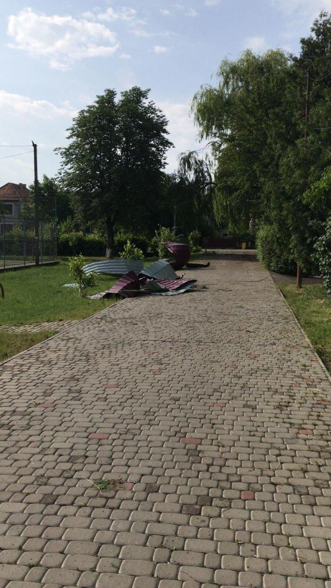 Кілька населених пунктів на Берегівщині постраждали від сильного буревію (ФОТО), фото-1