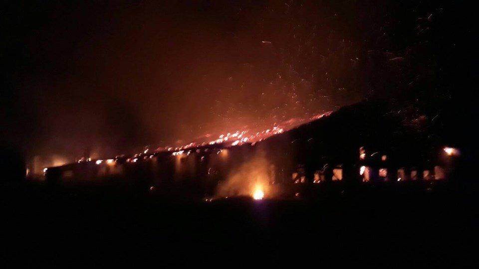 Рятувальники розповіли подробиці масштабної пожежі в господарських спорудах на Виноградівщині (ФОТО), фото-1