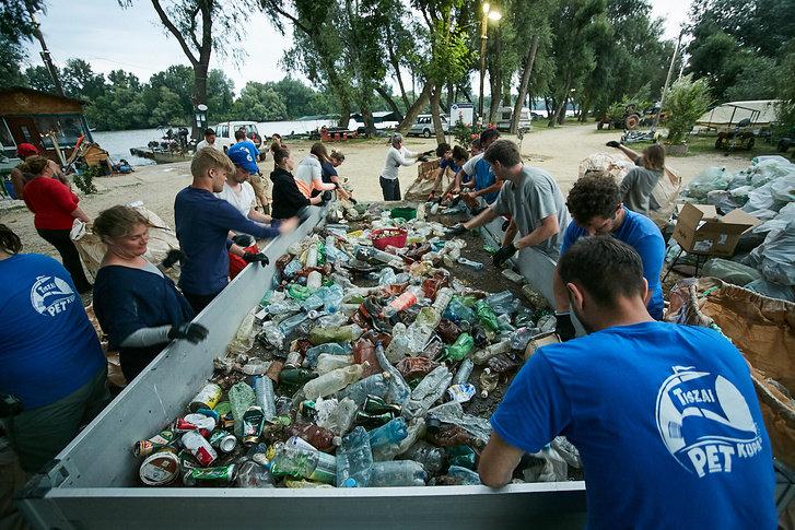 3000 кг пластику: угорські волонтери показали шокуючі результати екологічної акції PET Kupa на Тисі (ФОТО, ВІДЕО), фото-11
