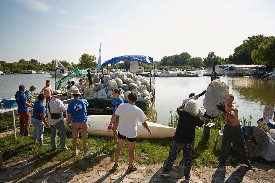 3000 кг пластику: угорські волонтери показали шокуючі результати екологічної акції PET Kupa на Тисі (ФОТО, ВІДЕО), фото-22