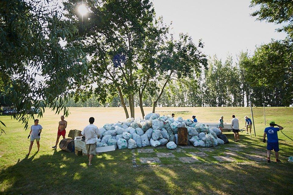 3000 кг пластику: угорські волонтери показали шокуючі результати екологічної акції PET Kupa на Тисі (ФОТО, ВІДЕО), фото-26