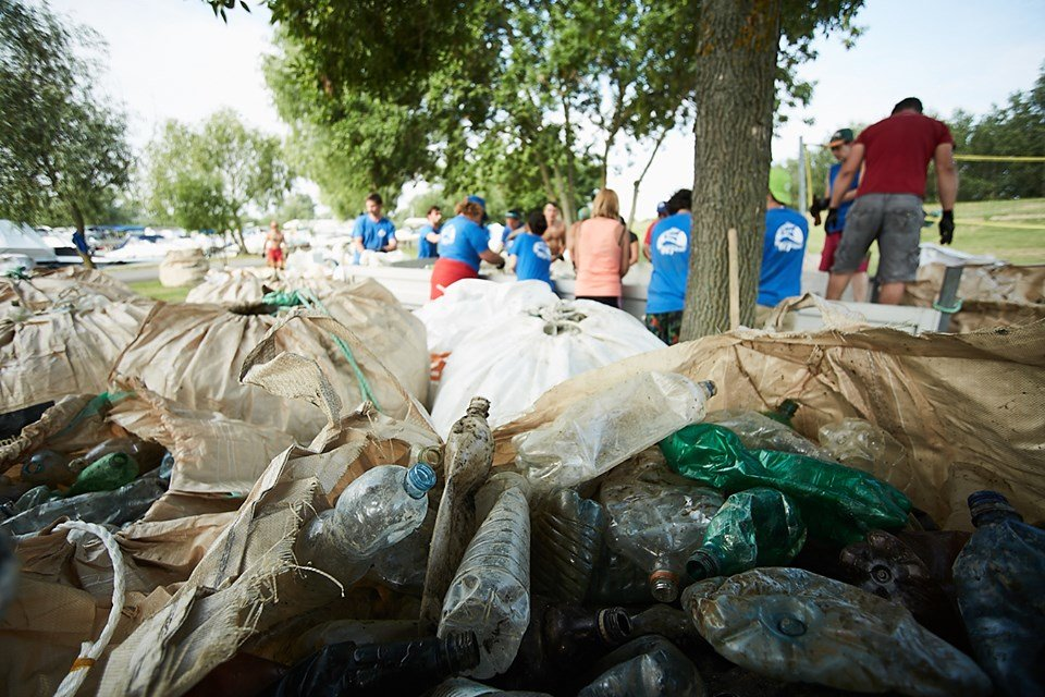 3000 кг пластику: угорські волонтери показали шокуючі результати екологічної акції PET Kupa на Тисі (ФОТО, ВІДЕО), фото-2