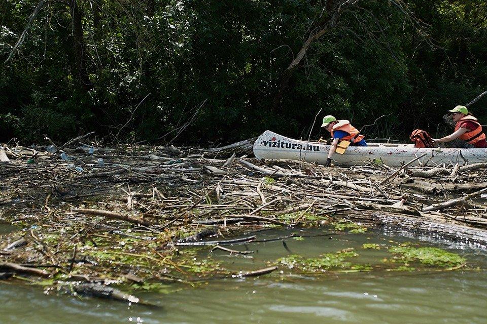 3000 кг пластику: угорські волонтери показали шокуючі результати екологічної акції PET Kupa на Тисі (ФОТО, ВІДЕО), фото-7