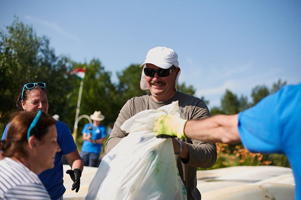 3000 кг пластику: угорські волонтери показали шокуючі результати екологічної акції PET Kupa на Тисі (ФОТО, ВІДЕО), фото-23