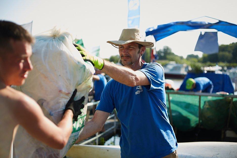 3000 кг пластику: угорські волонтери показали шокуючі результати екологічної акції PET Kupa на Тисі (ФОТО, ВІДЕО), фото-24