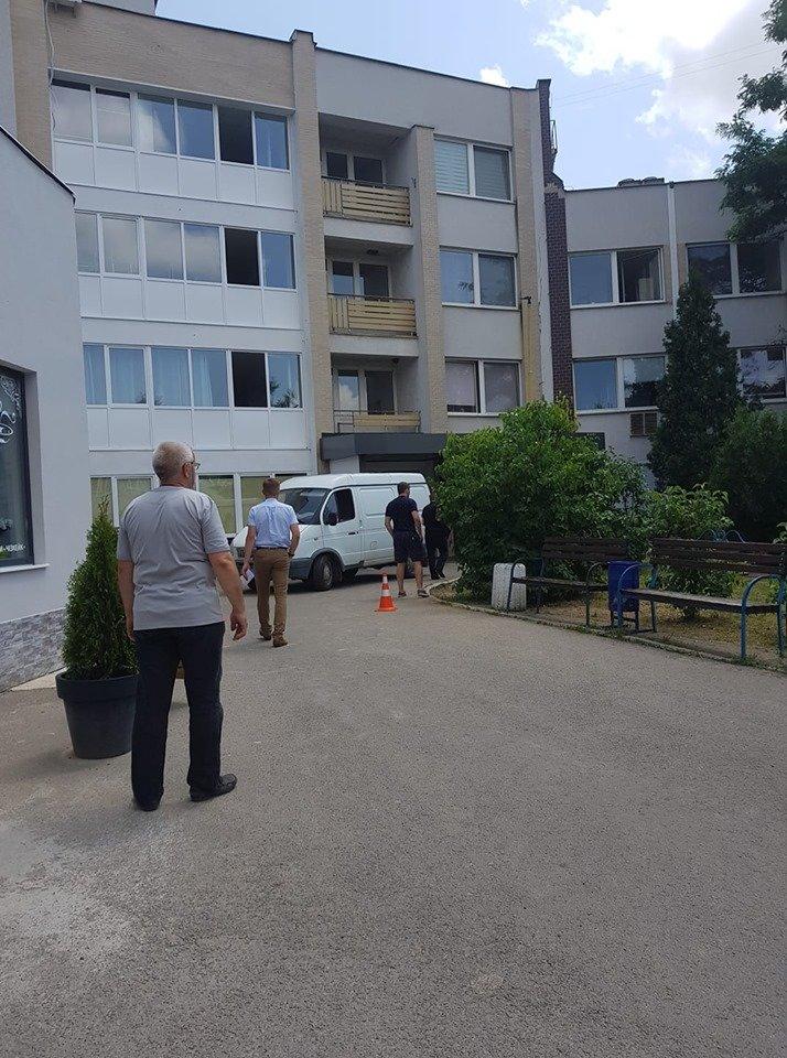 """В Ужгороді """"замінували"""" усі медичні заклади - на місці працюють відповідні служби (ФОТО), фото-4"""