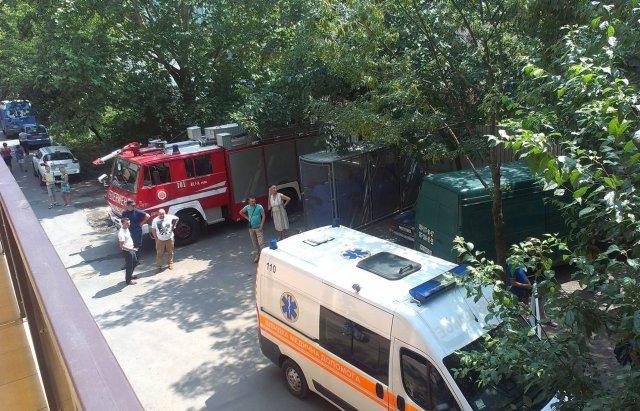 """В Ужгороді """"замінували"""" усі медичні заклади - на місці працюють відповідні служби (ФОТО), фото-1"""
